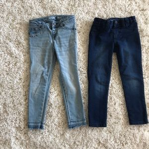 Pair of jeggings stretchy